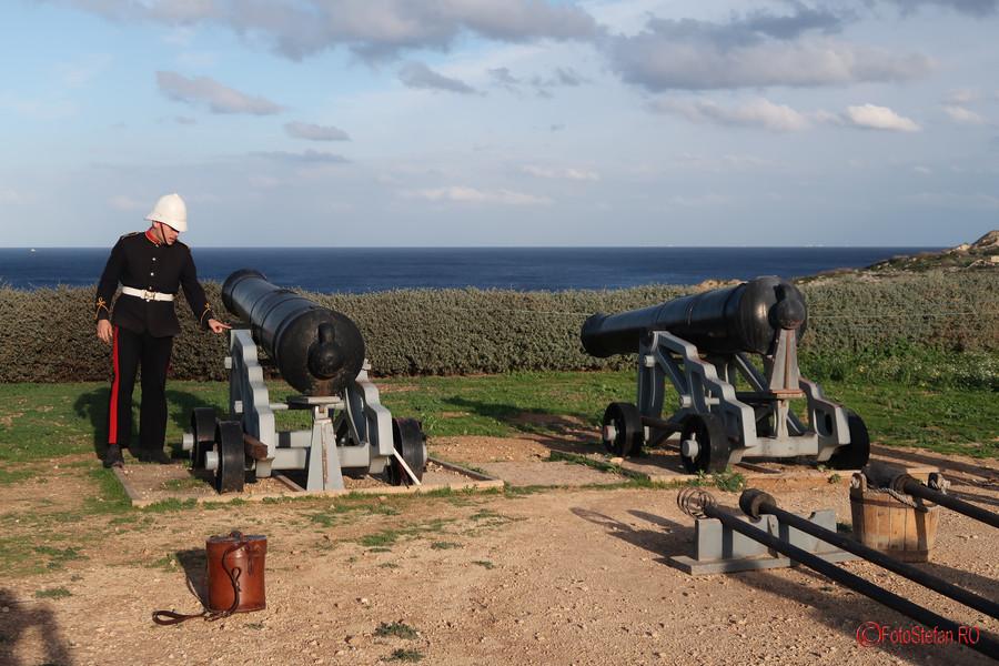 obiectiv turistic fort rinella malta reenactment