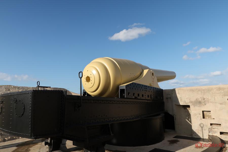 poza fotografie obiectiv turistic tun Armstrong  artilerie Fort Rinella Malta