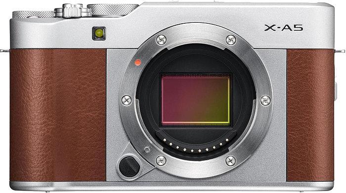 poza senzor mirrorless aparat fotografiat Fujifilm X-A5