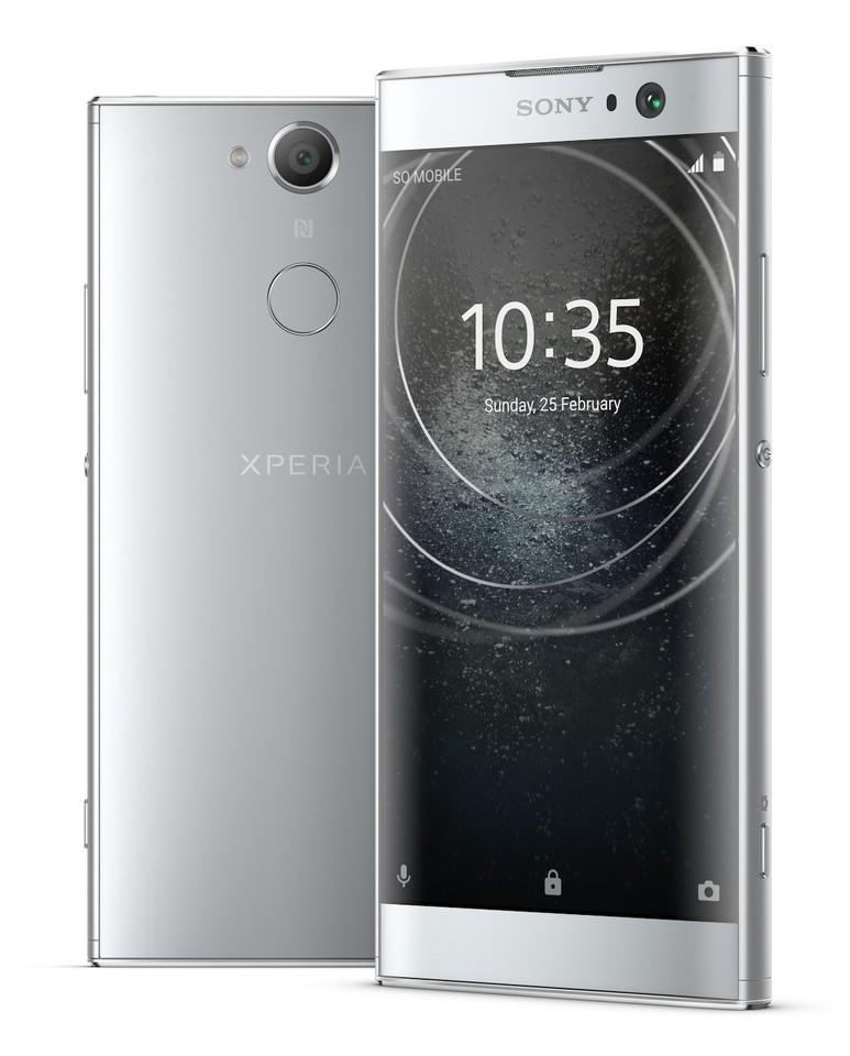 poza smartphone argintiu Sony Xperia XA2