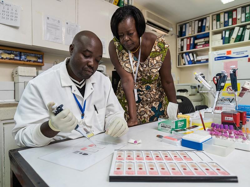 poza medici cercetare malaria africa kenya