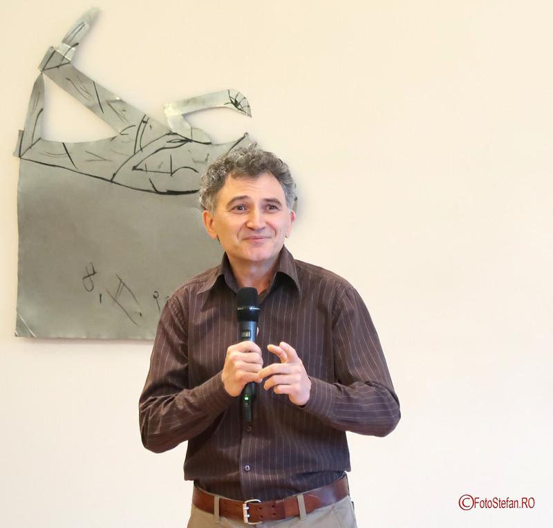 Erwin Kessler poza fotografie arcub expozitie arta florin mitroi