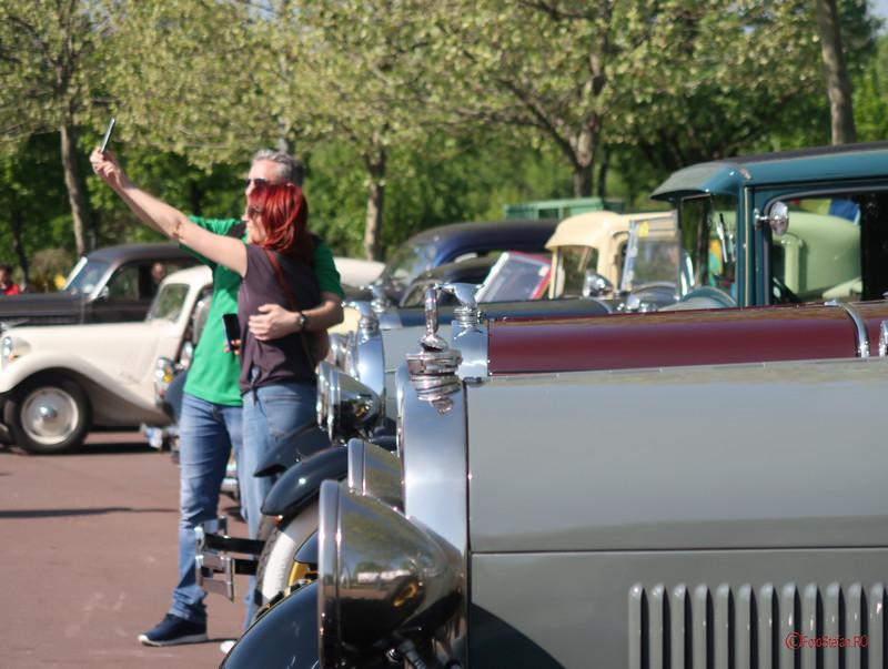 masini istorice poze vehicule epoca selfie bucuresti parcul lumea copiilor