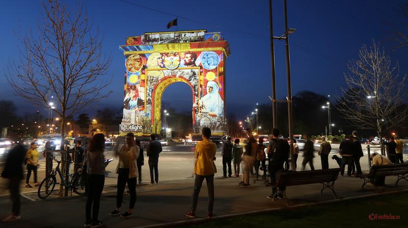 poza foto arcul triumf spectatori Festivalul Luminii Spotlight Bucuresti