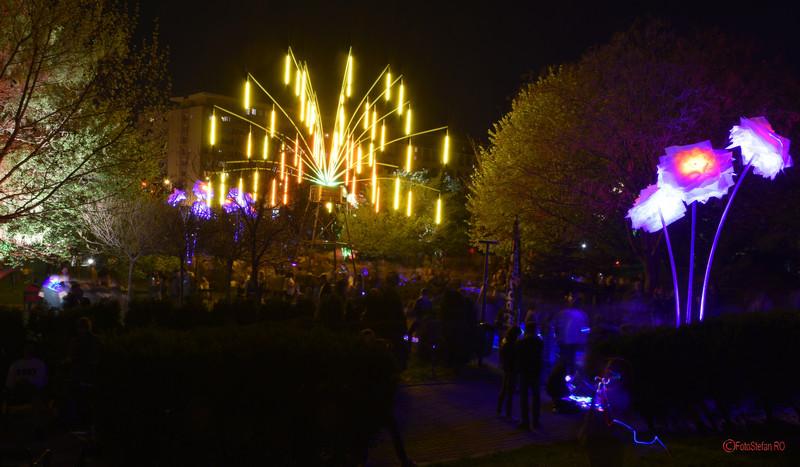 poze instalatie lumini Le Petit Jardin parcul sala palatului bucuresti