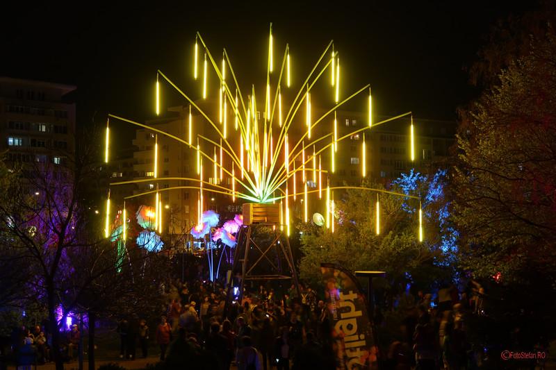 poze foto instalatie lumini Le Petit Jardin parcul kretzulescu sala palatului bucuresti spotlight