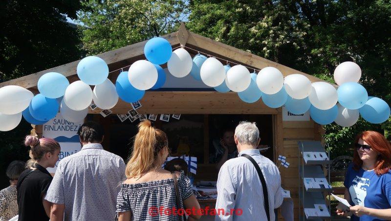 poza aranjamente baloane Ziua Europei  parcul Cismigiu Bucuresti