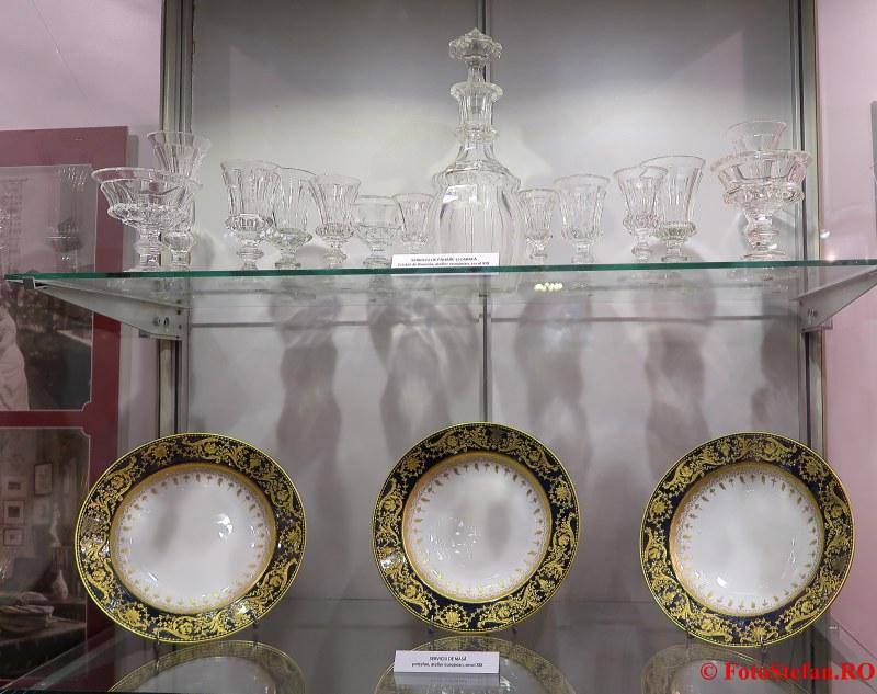 expozitie arta ambient poze farfurii colectie palatul sutu bucuresti