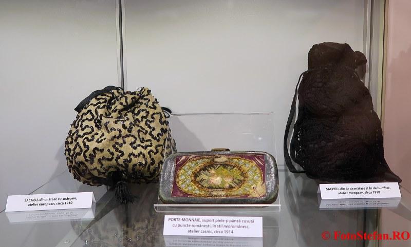 expozitie arta ambient poze accesorii vestimentatie feminina palatul sutu