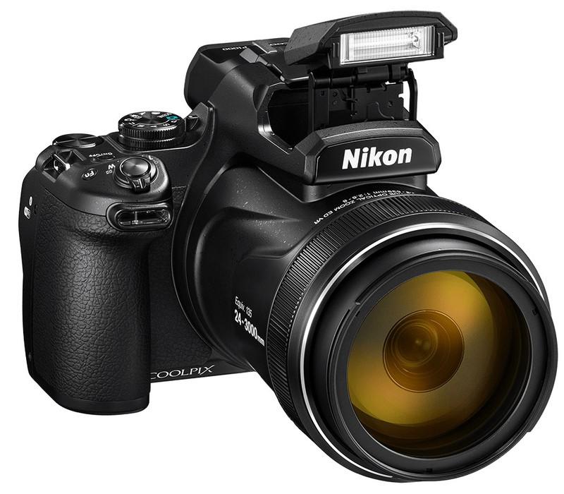 poza blit aparat foto Nikon COOLPIX P1000