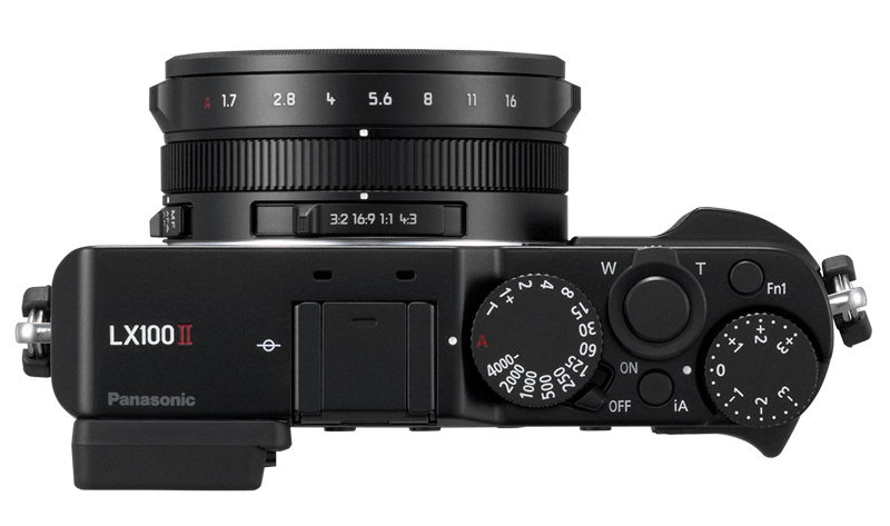 Panasonic LUMIX DMC LX100 II poza aparat foto compact performant
