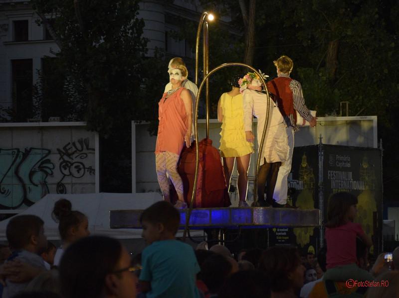 TRANSIT.ion  teatru spectacol poze actori b-fit in the street bucureti