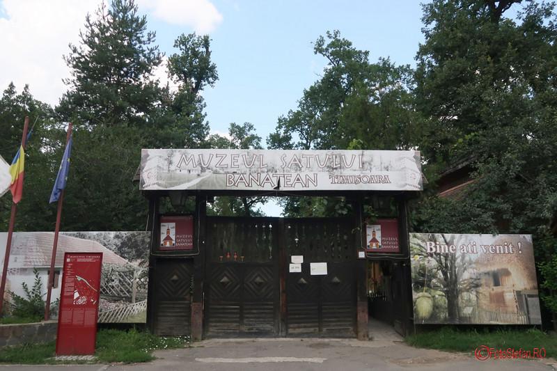 Muzeul Satului Banatean Timisoara  poarta intrare orar tarife fotografii
