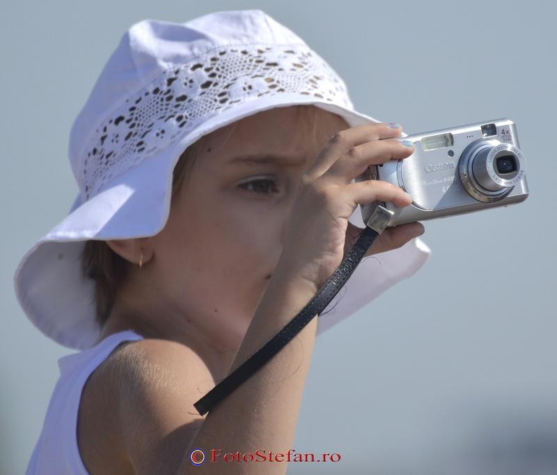 Ziua Mondiala a Fotografiei 19 august fetita fotografie
