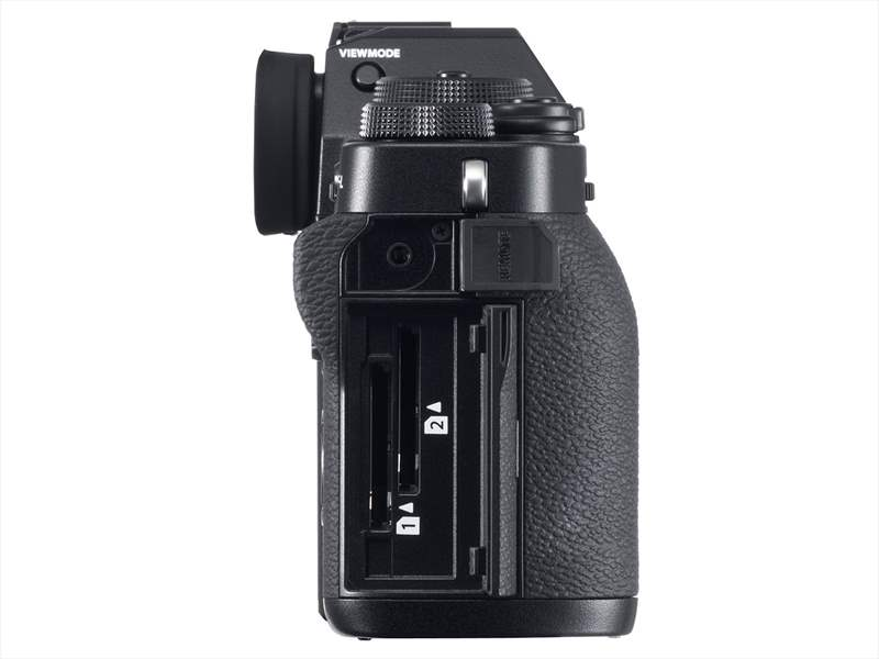 Fujifilm X-T3 poza dual slot carduri memorie aparat foto