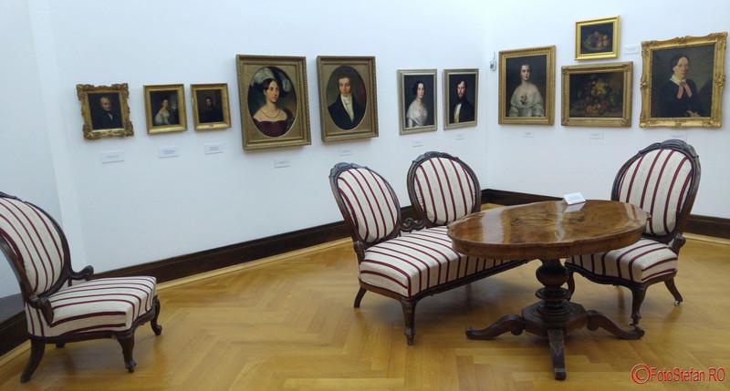 fotografii interior Muzeul de Arta Timisoara exponate