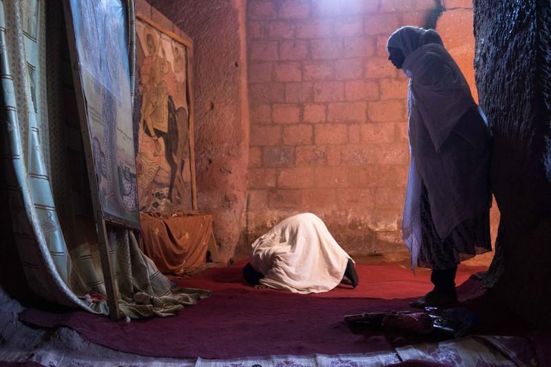 poze femei ruga etiopia craciun James Griesedieck
