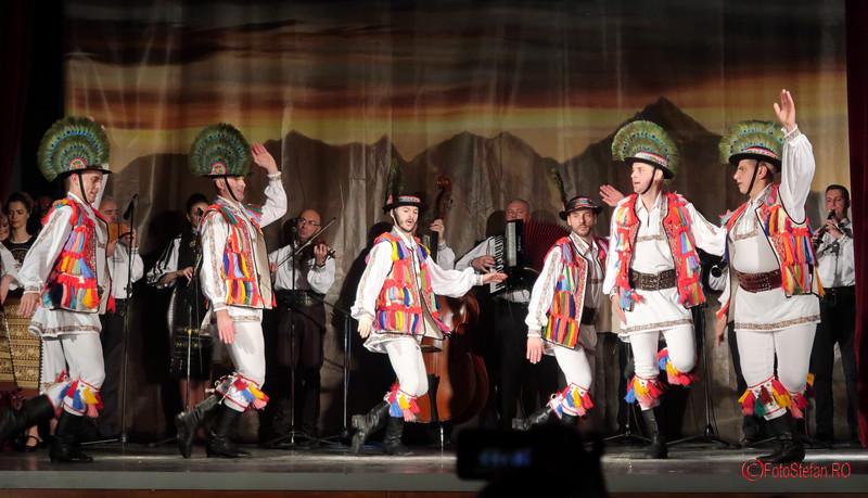 Albumul Transilvania inima Romaniei ansamblu folcloric
