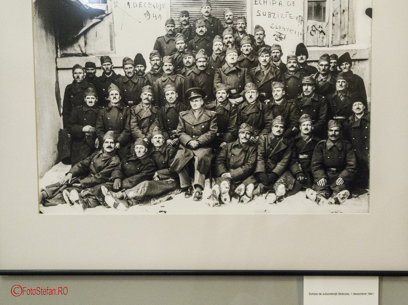 Acsinte.100 poza alba negru fotografie grup militari romani slobozia 1 decembrie 1941