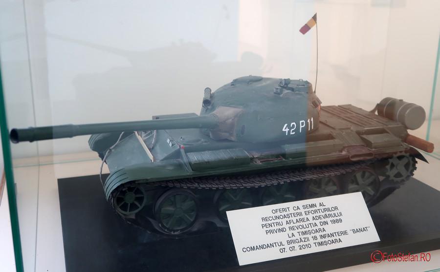 poza macheta tanc brigada 18 infanterie banat muzeul Memorialul Revolutiei Timisoara