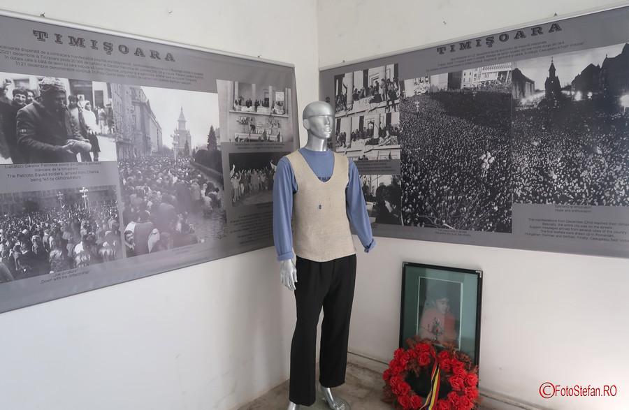 fotografii exponate muzeul Memorialul Revolutiei Timisoara