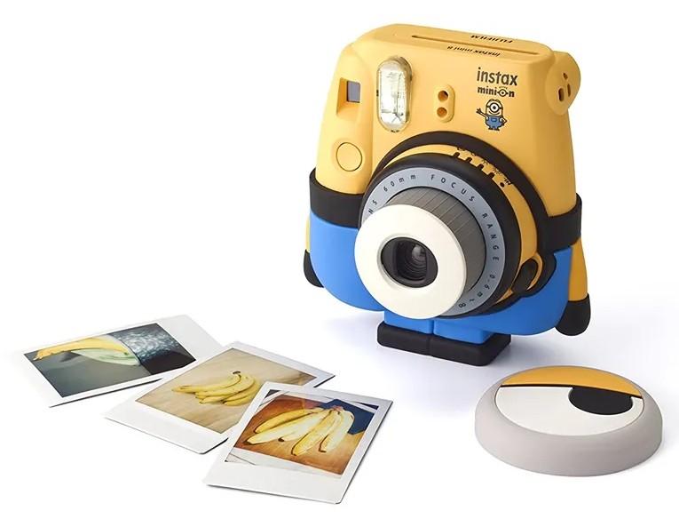poza aparat foto instant fujifilm instax minion