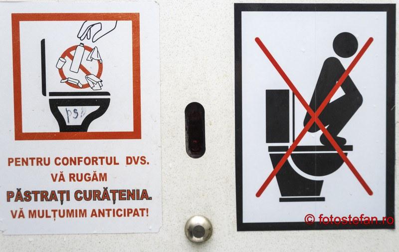 poza instructiuni folosire toaleta publica romania