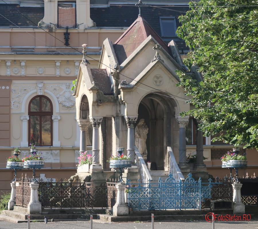 poza monument sf. maria timisoara romania