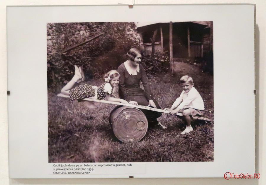 poza expozitie foto Rosia Montana familia Bocaniciu