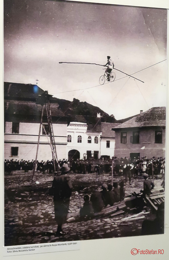 Rosia Montana expozitie foto poza acrobat german stroschneider
