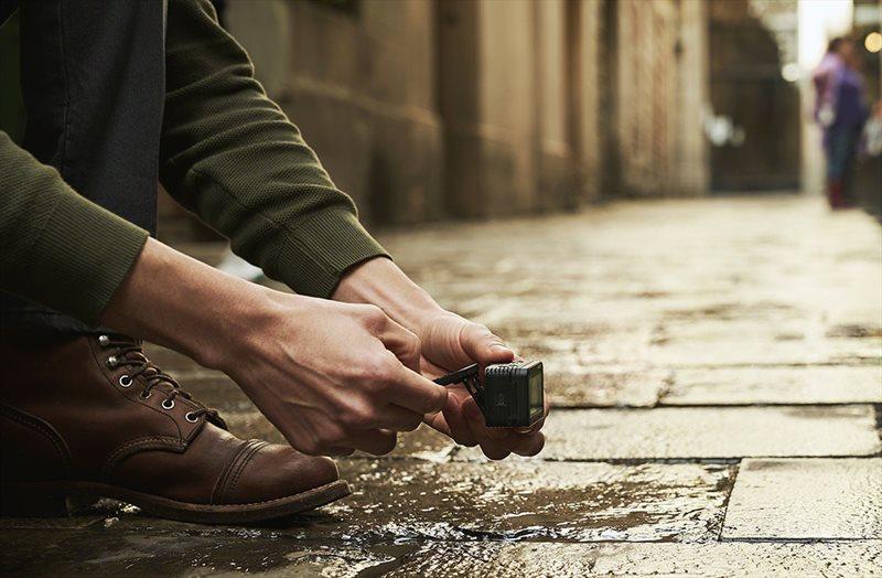 Sony Cybershot DSC-RX0 II fotografiere nivel sol aparat foto rezistent