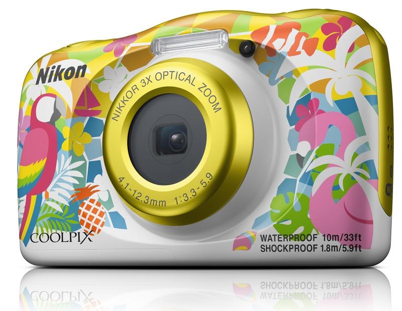 poza carcasa aparat foto hawaii Nikon W150
