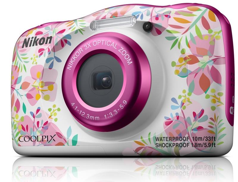 poza aparat foto compact carcasa flori Nikon W150