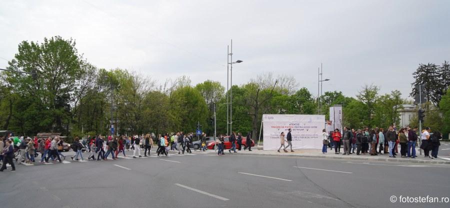 poze oameni Noaptea Cartilor Deschise bucuresti 23 aprilie