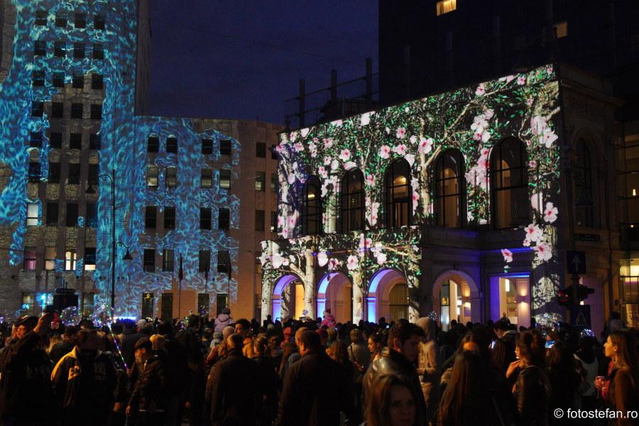 poze aglomeratie festivalul luminii spotlight calea victoriei bucuresti