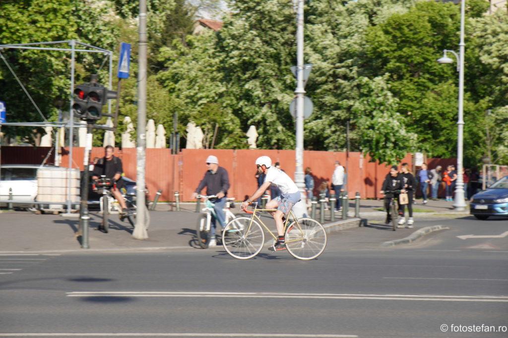 poza biciclist bucuresti test focus obiectiv zoom sony