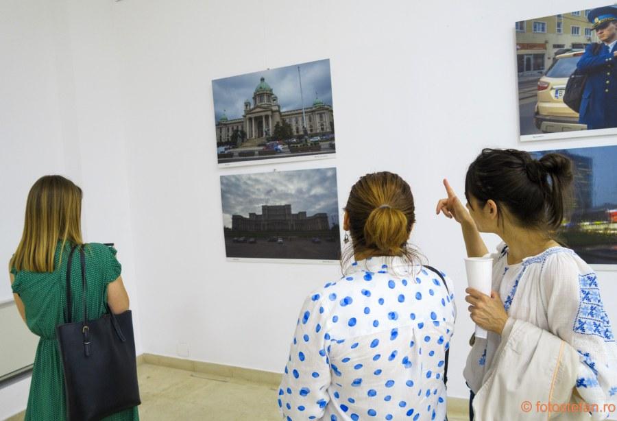 expozitie de fotografie poze fete muzeul taranului roman bucuresti