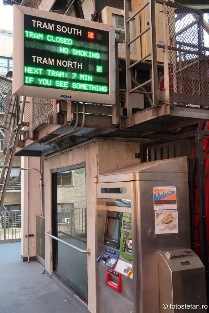 poza automate bilete telecabina New York Roosevelt Island Tramway calatorie america