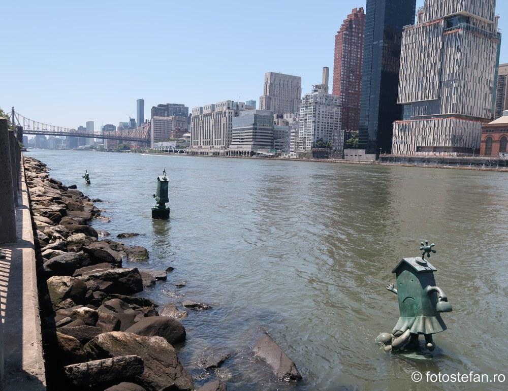 poze sculpturi Tom Otterness insula Roosevelt New York
