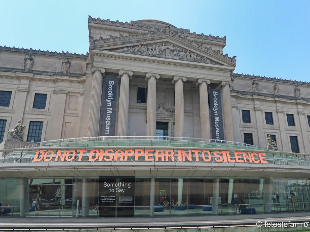 poza cladire muzeul brooklyn america obiectiv turistic