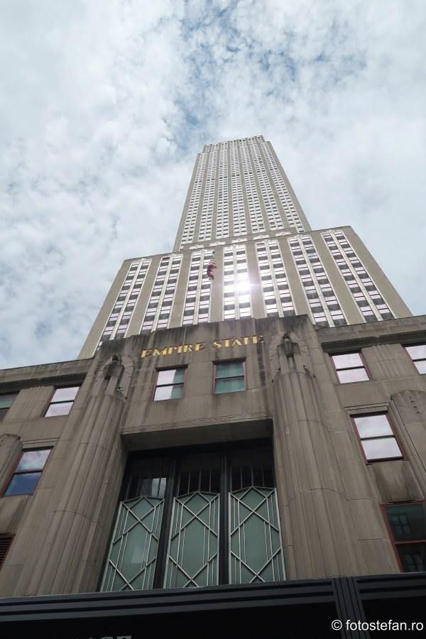 poza cladire Empire State Building zgarie-nori new york vacanta
