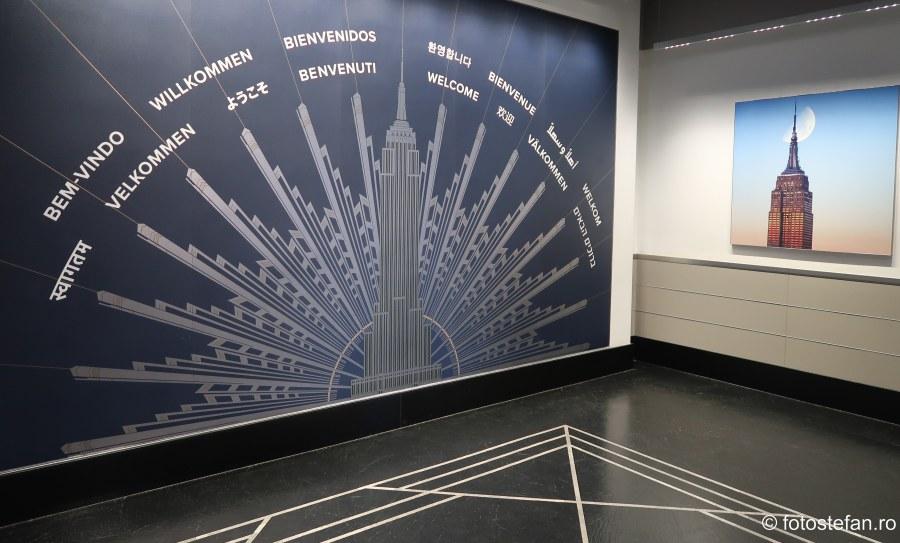 poza intrare cladire Empire State Building turism