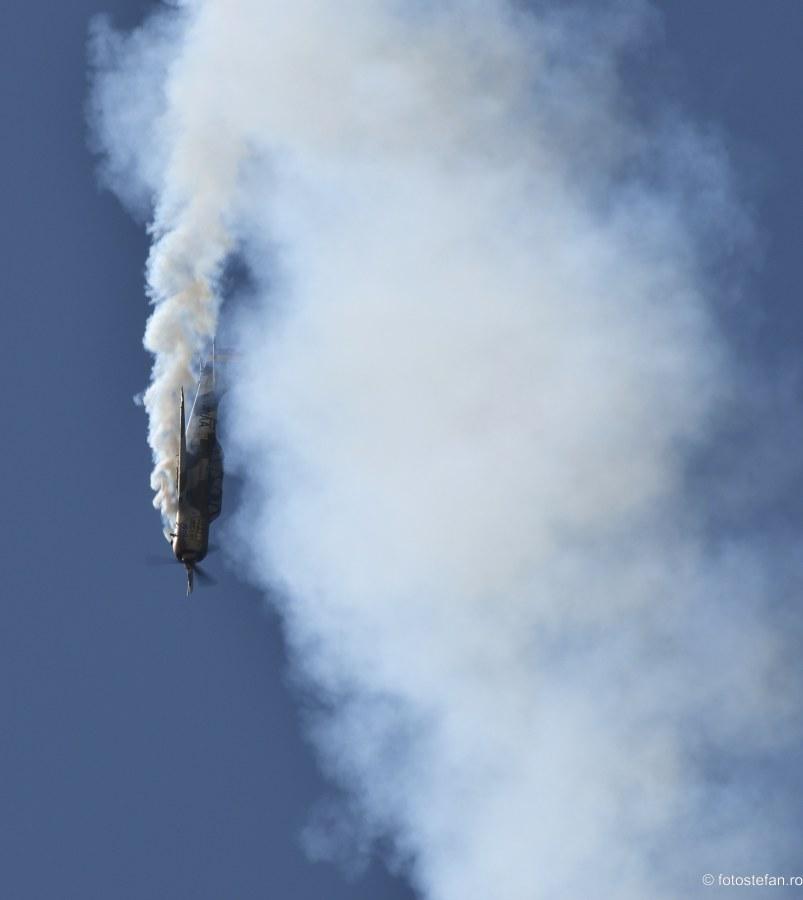 imagini Iacarii Acrobati Aeronautic Show 2019 bucuresti cer albastru