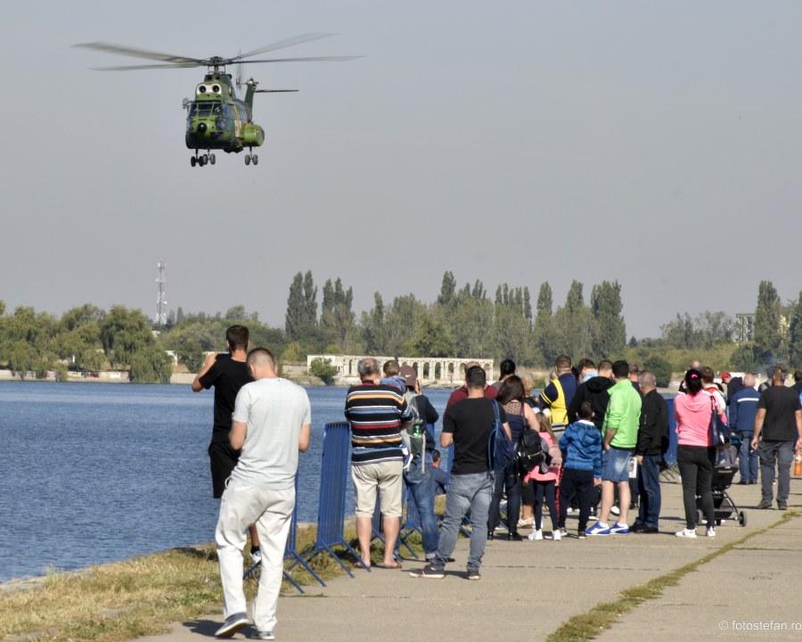 poza elicopter militar iar 330 puma lacul morii