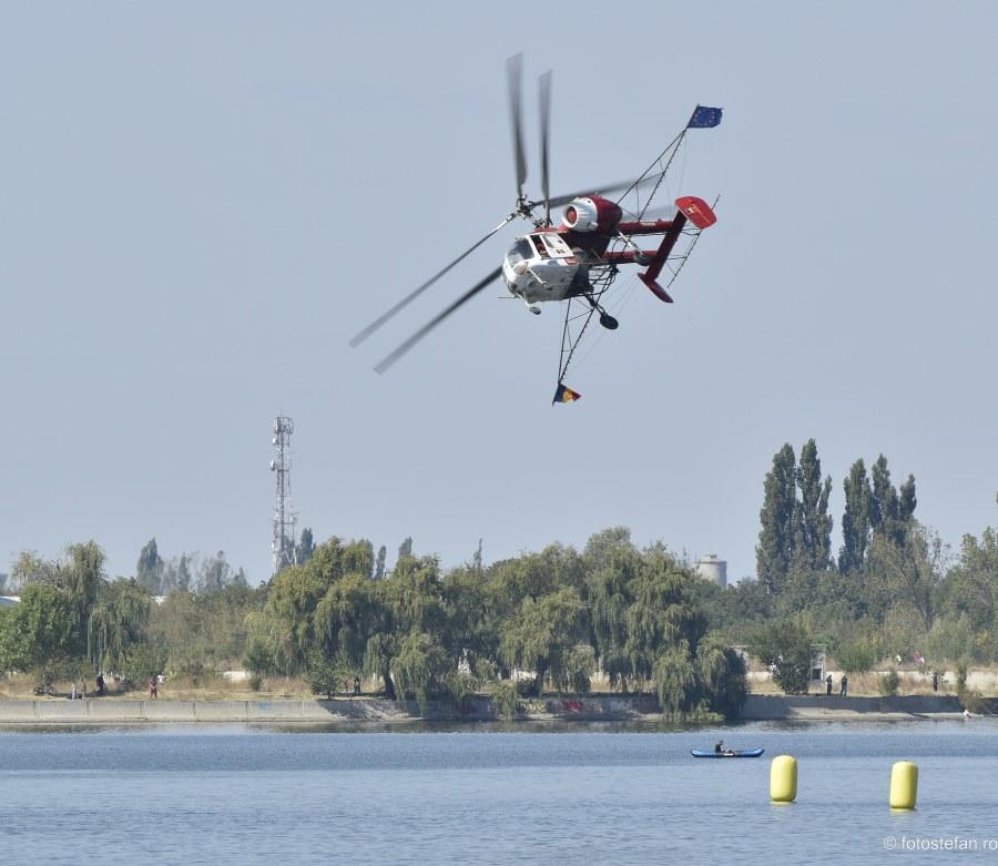 imagini acrobatie aeriana elicopter Kamov Ka-26