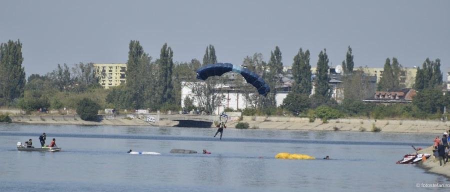 fotografii parasutisti lacul morii bucuresti
