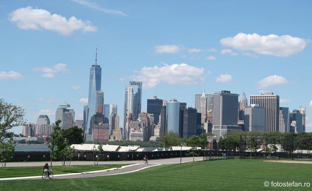 poze zgarie nori new york Governors Island