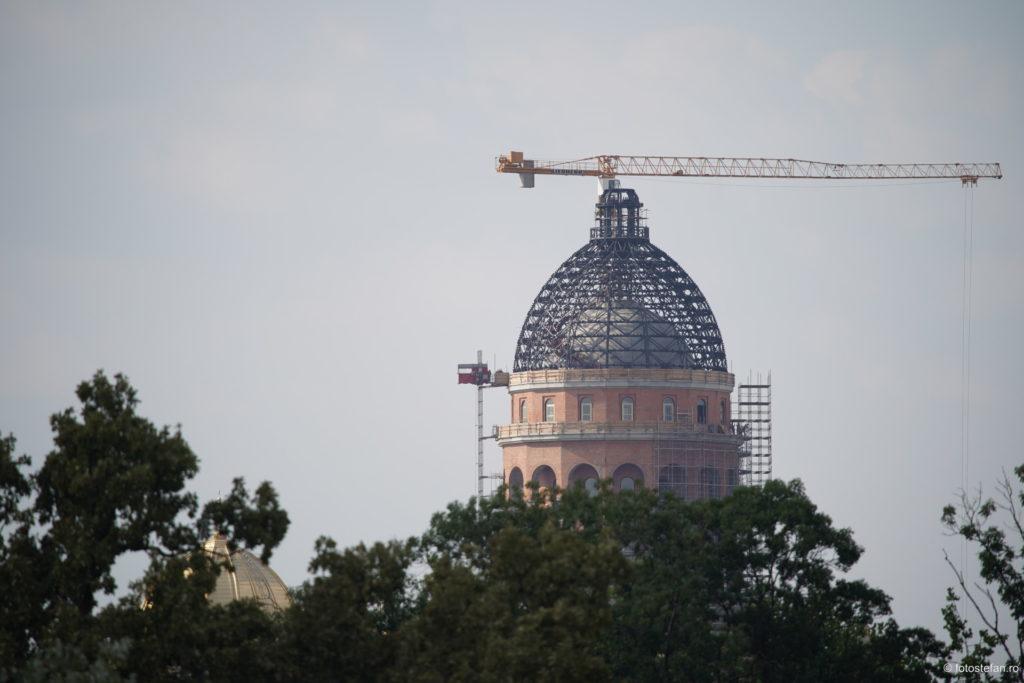 poza zoom Catedrala Mantuirii Neamului Bucuresti
