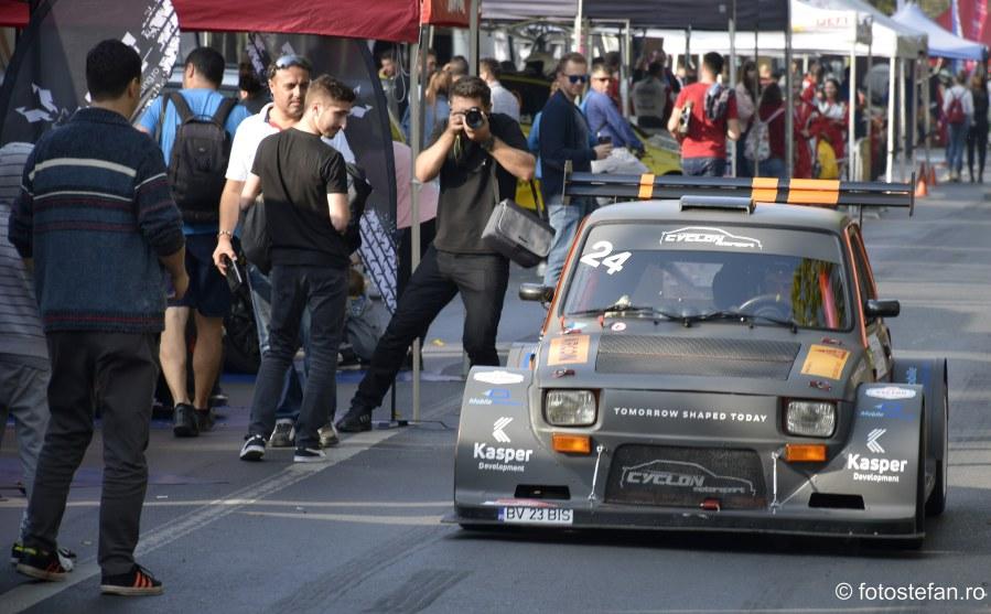 fotografii masina curse paddock bulevardul Kiseleff Bucuresti