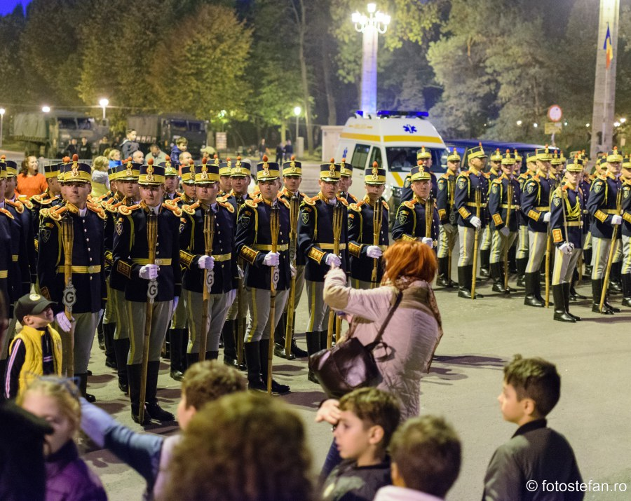 poze militari brigada 30 garda Ziua Armatei Române bucuresti